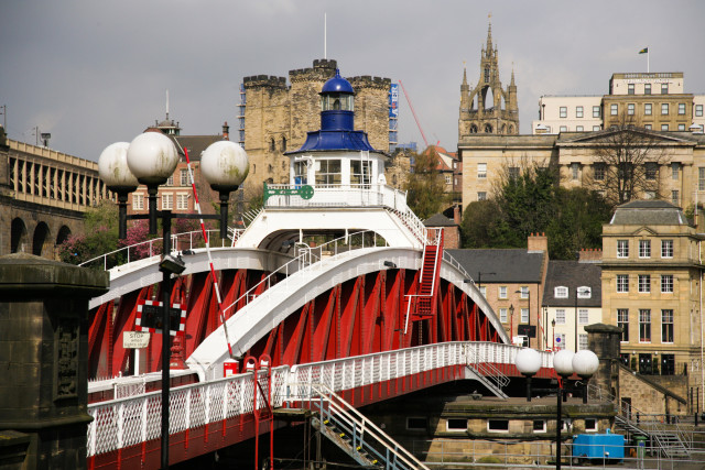 swing-bridge-quayside-newcastle-2