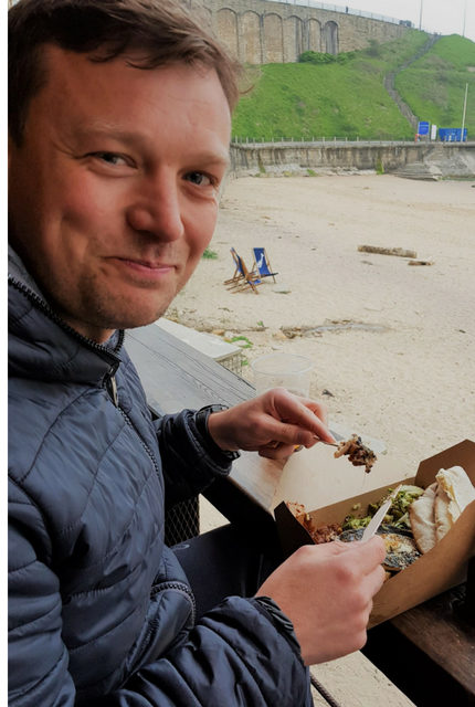 eating on the beach tynemouth